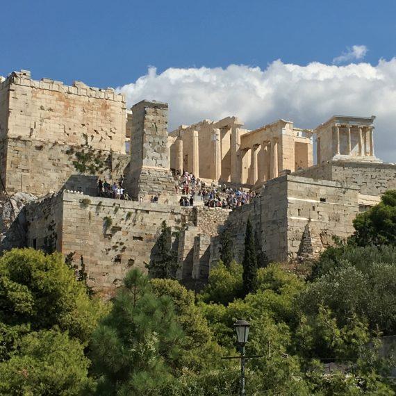 einmal rund um die akropolis