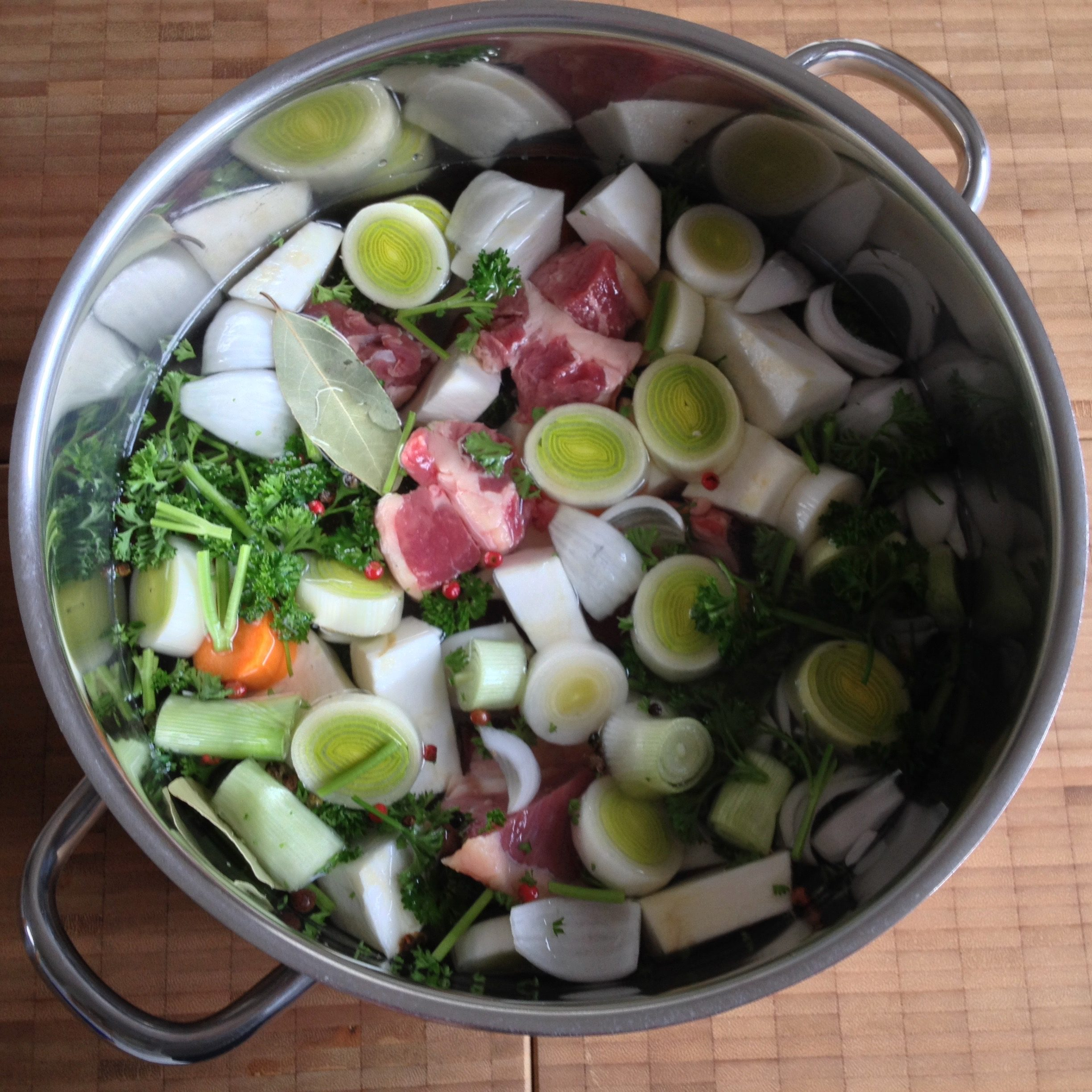 basic beef broth - basic soup!